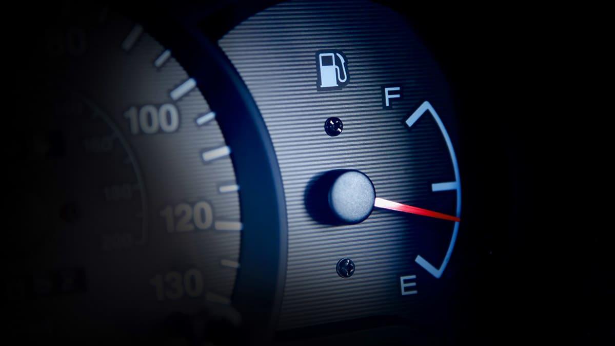 Prikaz razine goriva u automobilu
